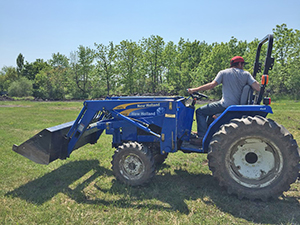 Anders Gunnerson on tractor