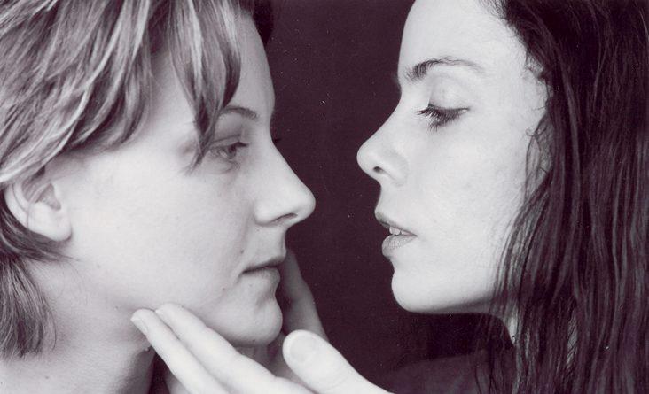 stop-kiss